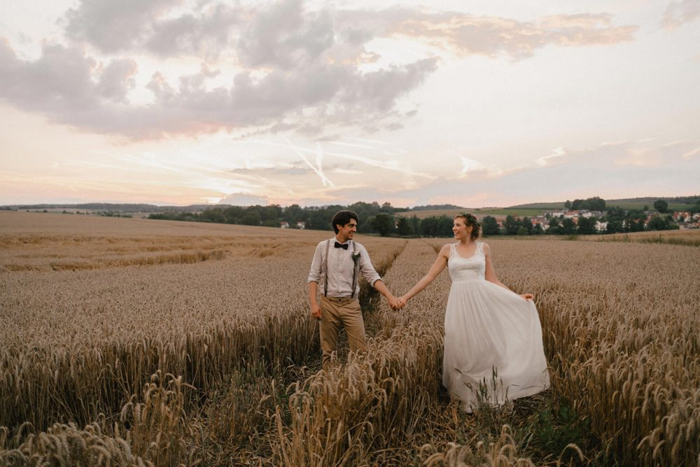 Hochzeitsfoto im Feld